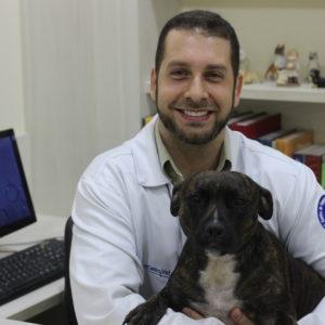Dr. Márcio Becacici